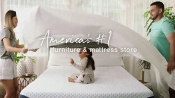 Ashley HomeStore Mattress Marathon TV Spot, 'King for the Price of a Twin' - Thumbnail 7