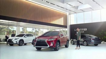 Lexus Winter Collection Sales Event TV Spot, 'Fall In Love' [T1] - Thumbnail 1