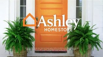 Ashley HomeStore Presidents Day Sale TV Spot, '30% Off: Sofa and Table: No Minimum Purchase' - Thumbnail 7