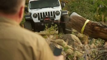Warn Hub Wireless Receiver TV Spot, 'Leader in Vehicle Recovery' - Thumbnail 2