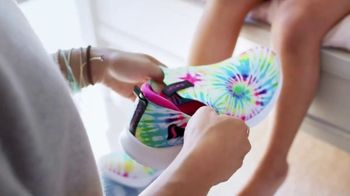 SKECHERS Stretch Fit TV Spot, 'Perfect Comfort' - Thumbnail 3