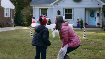 Food Lion Feeds Box TV Spot, 'Together, We're Giving Hope For The Holidays' - Thumbnail 3