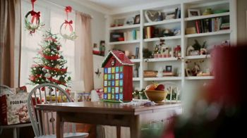 Food Lion, LLC TV Spot, 'The Best Tradition Is The One You Share With Your Neighbors' - Thumbnail 1