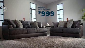 Bob's Discount Furniture TV Spot, 'Sofá y loveseat' [Spanish] - Thumbnail 4