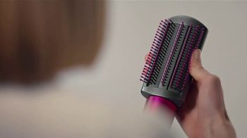 Dyson Airwrap Styler TV Spot, 'Curls, Waves, Dry: Gift Editions' - Thumbnail 5