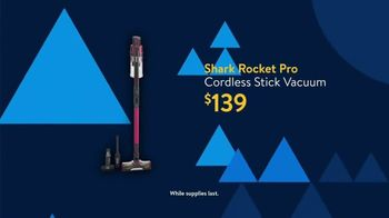 Walmart Black Friday TV Spot, 'Deals for Days: Shark Rocket Pro Cordless Stick Vacuum for $139' - Thumbnail 6