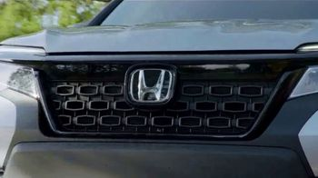 Happy Honda Days Sales Event TV Spot, 'Pre-Holiday Clearance: In Town' [T2] - Thumbnail 5