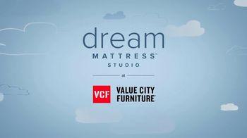 Value City Furniture Early Black Friday Sale TV Spot, 'Dream Mattress Studio: 20% Off' - Thumbnail 7