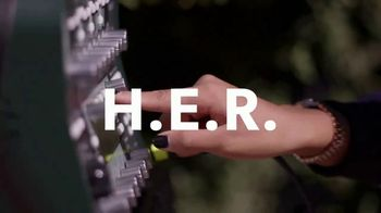 Guitar Center TV Spot, 'How the Strat Inspires Her Sound' Featuring H.E.R. - Thumbnail 2