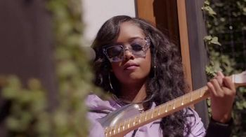 Guitar Center TV Spot, 'How the Strat Inspires Her Sound' Featuring H.E.R. - Thumbnail 8