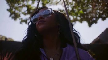 Guitar Center TV Spot, 'How the Strat Inspires Her Sound' Featuring H.E.R. - Thumbnail 9