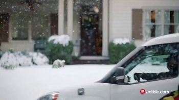 Edible Arrangements TV Spot, 'Holidays: Moment of Wow: Free Delivery' Song by Leslie Odom, Jr. - Thumbnail 1