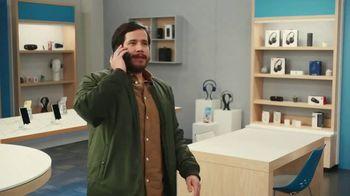 AT&T Wireless TV Spot, 'Dile a tu mamá' [Spanish] - Thumbnail 6