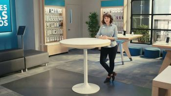 AT&T Wireless TV Spot, 'Dile a tu mamá' [Spanish] - Thumbnail 7