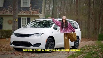 Chrysler Pacifica Family Pricing TV Spot, 'For Every Parent' Featuring Kathryn Hahn [T2] - 2406 commercial airings