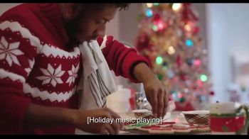 Hallmark TV Spot, 'Share More Merry This Season With a Hallmark Card' - Thumbnail 7