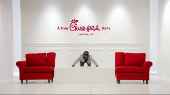 Chick-fil-A TV Spot, 'The Little Things: Frontline Sandwiches' - Thumbnail 2