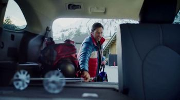 Toyota Highlander TV Spot, 'Discover New Lines' Song by The Helio Sequence [T2] - Thumbnail 6