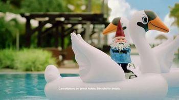 Travelocity TV Spot, 'Swan' - Thumbnail 7