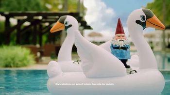 Travelocity TV Spot, 'Swan' - Thumbnail 8