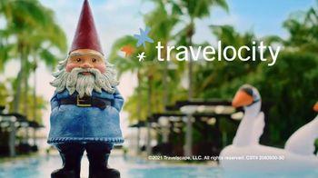 Travelocity TV Spot, 'Swan' - Thumbnail 9