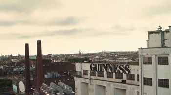 Guinness TV Spot, 'St. Patrick's Day: Silver Lining' - Thumbnail 3