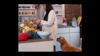 Airbnb TV Spot, 'I Will Always Love You' Song by Dolly Parton - Thumbnail 3