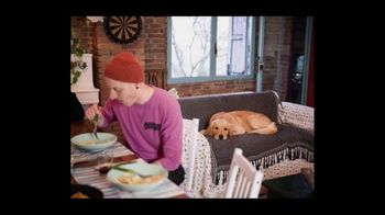 Airbnb TV Spot, 'I Will Always Love You' Song by Dolly Parton