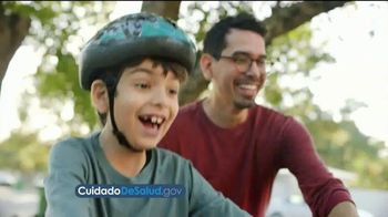 HealthCare.gov TV Spot, 'Ayuda financiara' [Spanish] - Thumbnail 4
