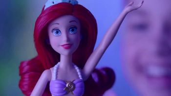 Disney Princess Rainbow Reveal Ariel TV Spot, 'Dive In' - Thumbnail 6