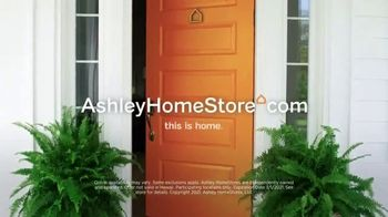 Ashley HomeStore Ultimate Event TV Spot, '25% Off and No Interest' - Thumbnail 10