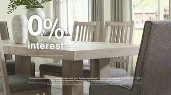Ashley HomeStore Ultimate Event TV Spot, '25% Off and No Interest' - Thumbnail 6