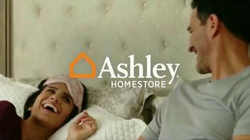Ashley HomeStore Ultimate Mattress Event TV Spot, 'Glideaway Adjustable Bases' - Thumbnail 1