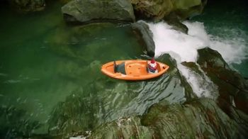 Travelocity TV Spot, 'Kayak Paddles' - Thumbnail 9