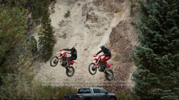 Honda TV Spot, 'Rise to the Challenge' Song by Vampire Weekend [T2] - Thumbnail 5