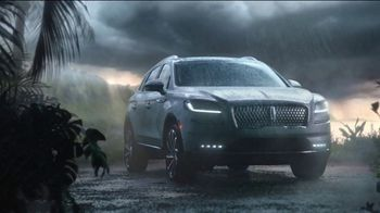 Lincoln Motor Company TV Spot, 'Comfort in the Extreme' [T2] - Thumbnail 4