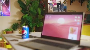 Pepsi TV Spot, 'UEFA Champions League: Fizz to Life' Song by Becky G - Thumbnail 6