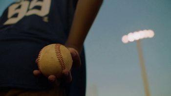 T-Mobile TV Spot, 'MLB World Series Magenta Moment' [Spanish] - Thumbnail 4