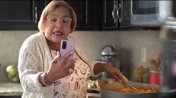T-Mobile TV Spot, 'Netflix on Us: Samsung Galaxy S20 FE 5G' con LeJuan James [Spanish] - Thumbnail 5
