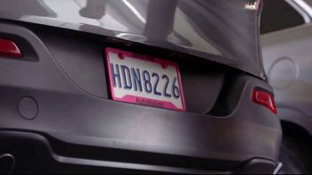 AutoNation TV Spot, 'Pink Plates: Thank You' Song by Andy Grammer - Thumbnail 4