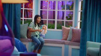 Disney Frozen II Magic in Motion Queen Elsa TV Spot, 'She Sings' - Thumbnail 1