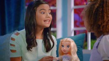 Disney Frozen II Magic in Motion Queen Elsa TV Spot, 'She Sings' - Thumbnail 2