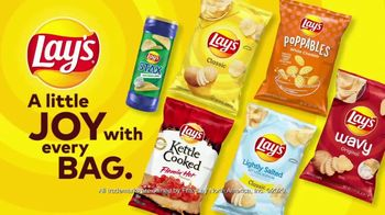 Lay's TV Spot, 'Joy Says What' Featuring Tracee Ellis Ross, Liz Jenkins - Thumbnail 8