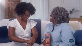 Vaseline Intensive Care Cocoa Radiant Lotion TV Spot, 'Growing Up' - Thumbnail 9