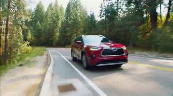 2021 Toyota Highlander TV Spot, 'Rise High' [T2] - Thumbnail 9