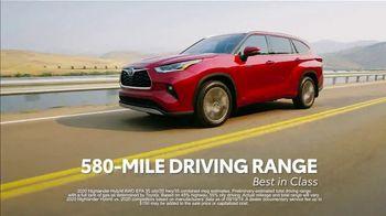 2021 Toyota Highlander TV Spot, 'Rise High' [T2] - Thumbnail 8