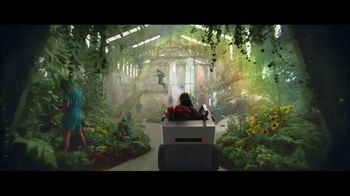 Fiverr Super Bowl 2021 TV Spot, 'Opportunity Knocks' - Thumbnail 6