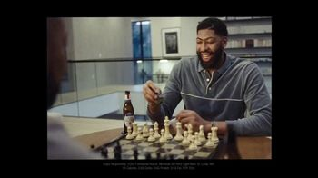 Michelob ULTRA Super Bowl 2021 TV Spot, 'Happy' Featuring Serena Williams, Song by A Tribe Called Quest - Thumbnail 5