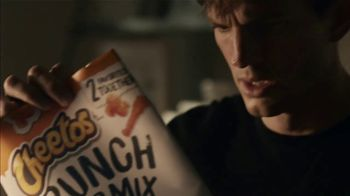 Cheetos Crunch Pop Mix Super Bowl 2021 TV Spot, 'It Wasn't Me' Feat. Mila Kunis, Ashton Kutcher, Shaggy - Thumbnail 7