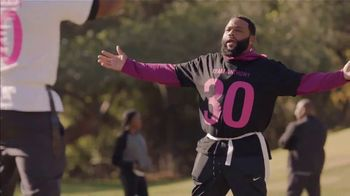 T-Mobile Super Bowl 2021 TV Spot, 'Team Anthony Anderson vs. Team Mama' Featuring Travis Kelce - Thumbnail 2